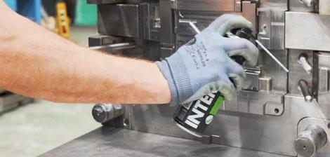 Interflon cleaning injection mouldings